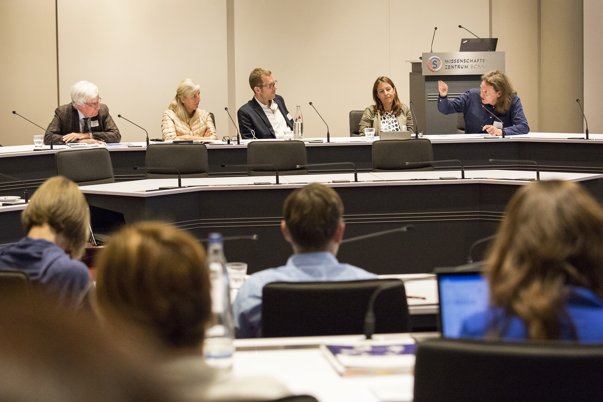 Podiumsdiskussion - Im Zweifel für die Freiheit? Gesellschaftliche Ansprüche und wissenschaftliche Praxis
